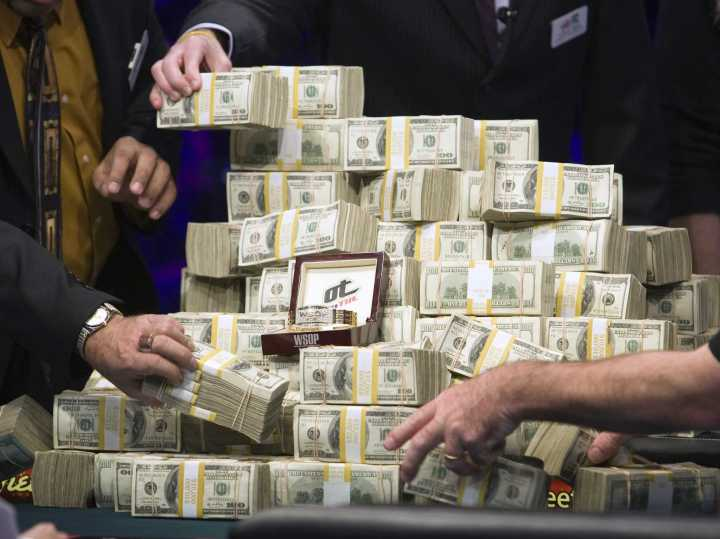 yahoo-is-about-to-get-a-massive-pile-of-cash